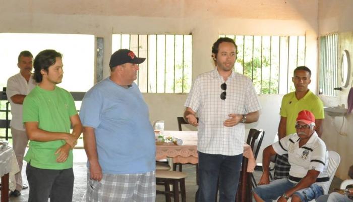 Encontro com produtores de tilápia e camarão do município