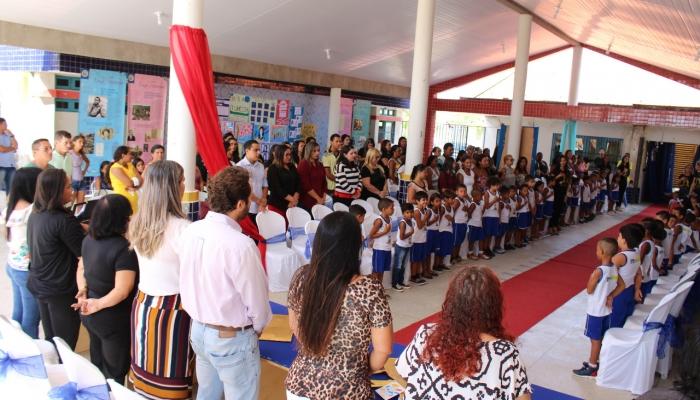 CMEI Maria Palmira lança livro sobre Nísia Floresta produzido por crianças