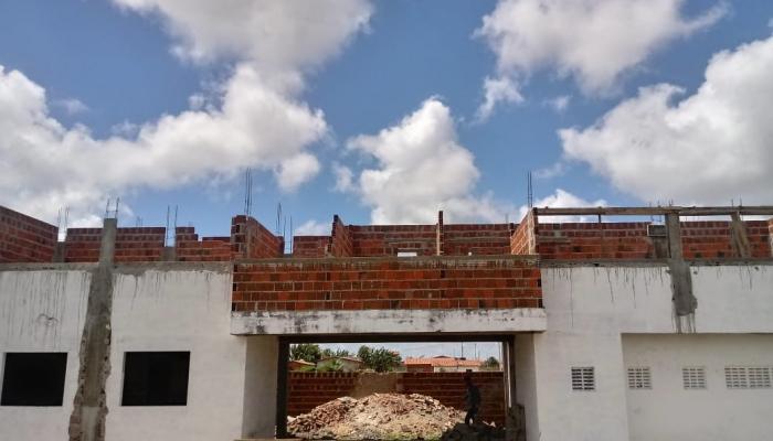 Prefeitura inicia nova etapa da reforma do Estádio Municipal